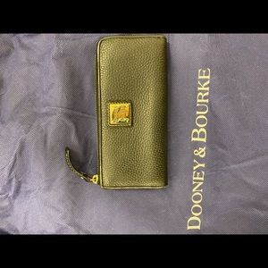 Dooney Bourke Pebble Grain Zip Around Wallet